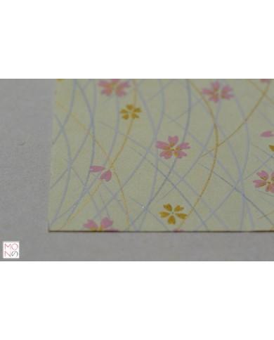 Chiyogami 047 fiori di ciliegio rosa su giallino