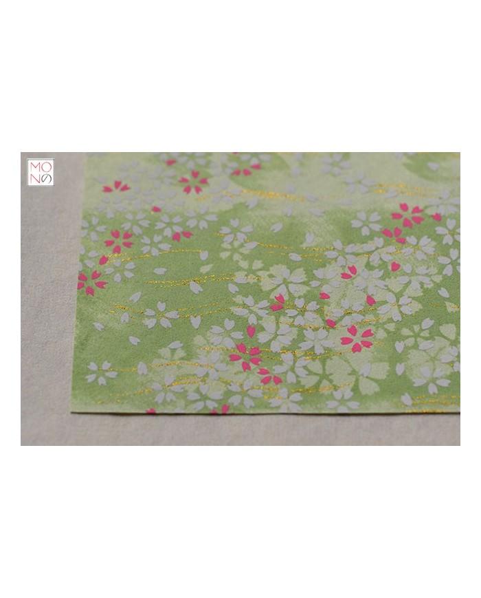 Chiyogami 070 fiori ciliegio fondo verde